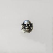 Jacken-Knopf 'Schädel' mit Knochen
